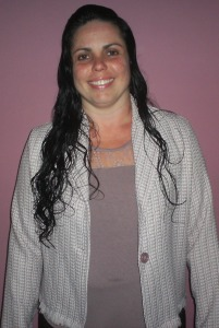 ludi em pe 201x300 - Fonoaudióloga na Região Oceânica Ludmila Hermanson